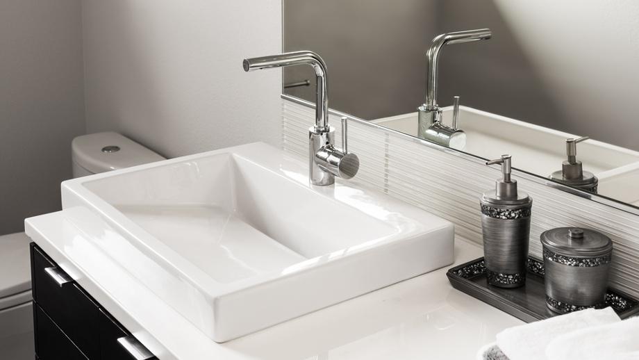 ako uložiť voda v kúpeľni moderná páková batéria s prevzdušňovačom
