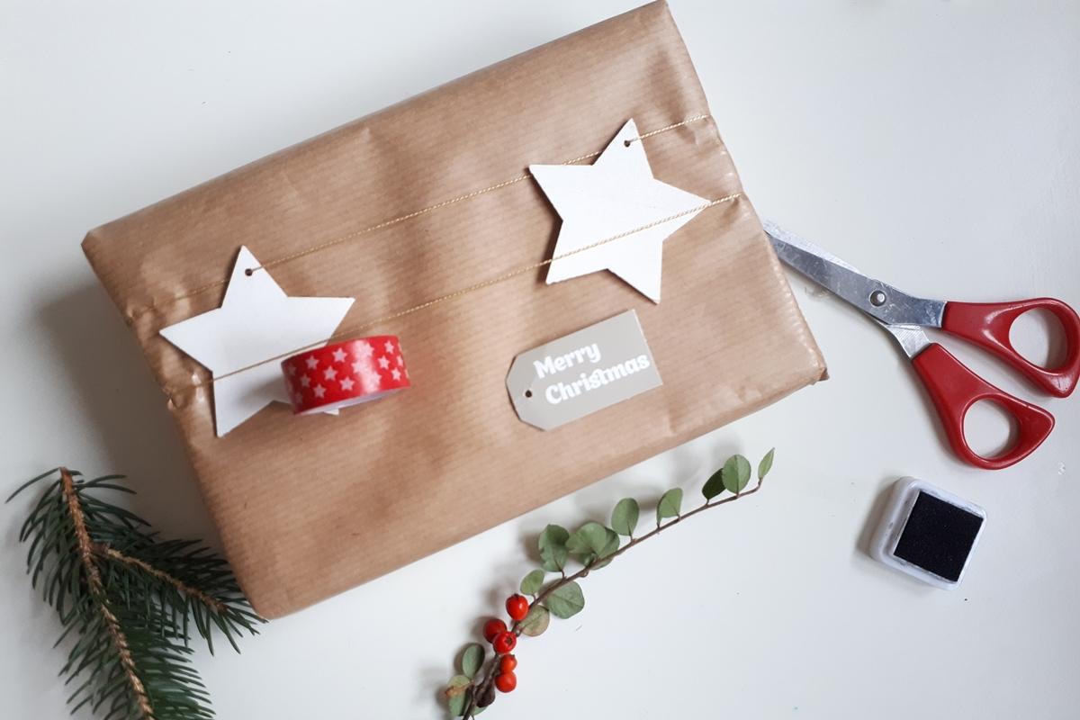 ako zabaliť darček pomocou washi pásky 10