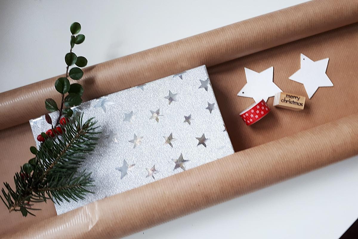 ako zabaliť darček pomocou washi pásky 7